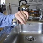 Blandare  med utdragbar handdusch i anpassat kök