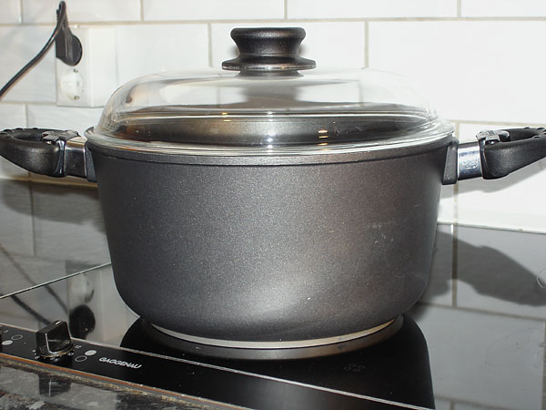 Pot with large handles