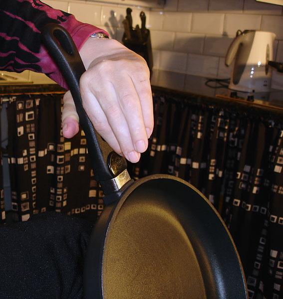Titanium frying pan