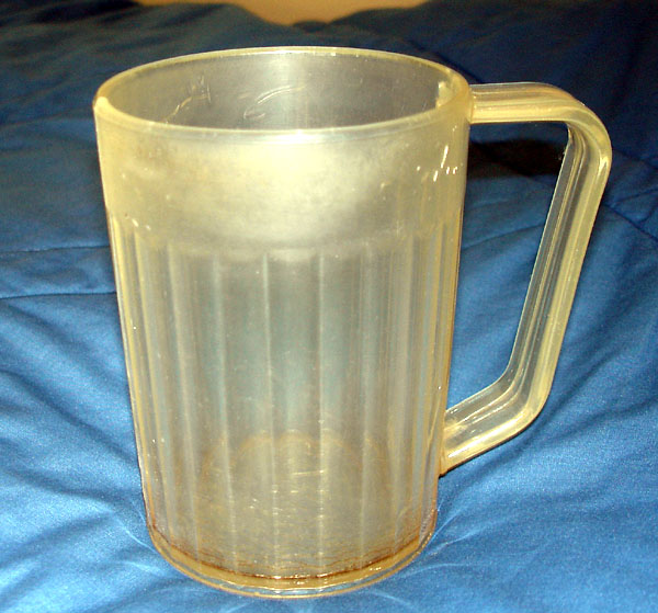 Plastic mug with large handle