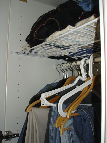 Wire net closet shelf
