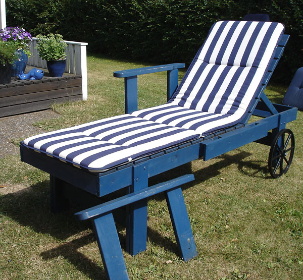 Custom-made lounge chair with armrest removed