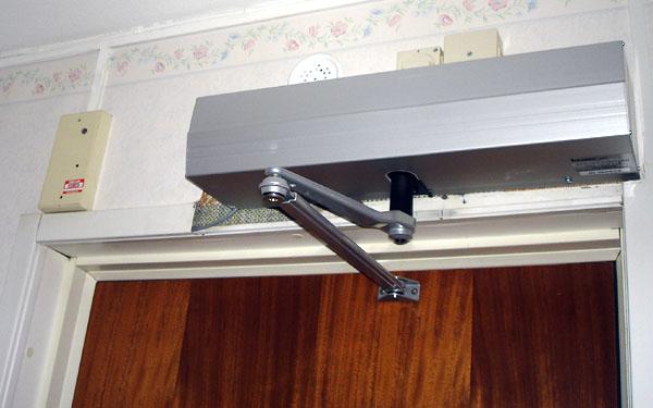Automatisk dörröppnare
