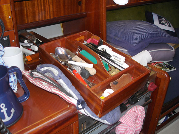Flatware drawer removed
