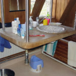Specialbyggt, upphängt tvättställ