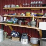Anpassat kök på sommarhusets veranda
