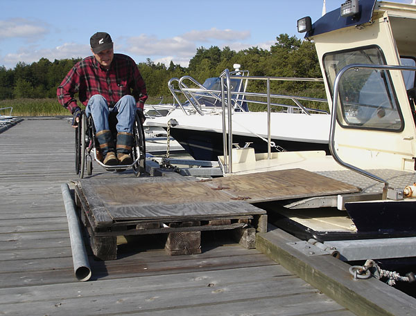 Ramp on dock for motorboat