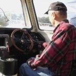 Anpassad styrpulpet på motorbåt