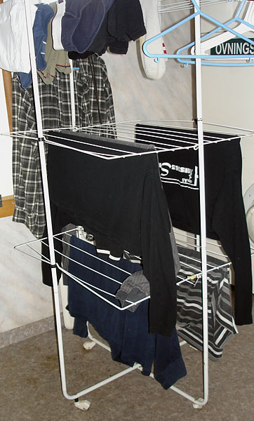Drying rack on casters
