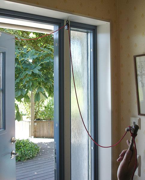 Entré till huset med enkel dörrstängare