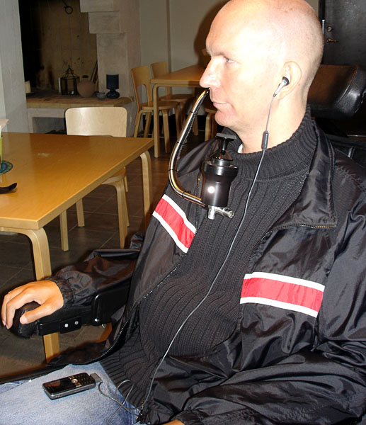 Telephone for persons without arm/hand function