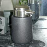Stable soap pump