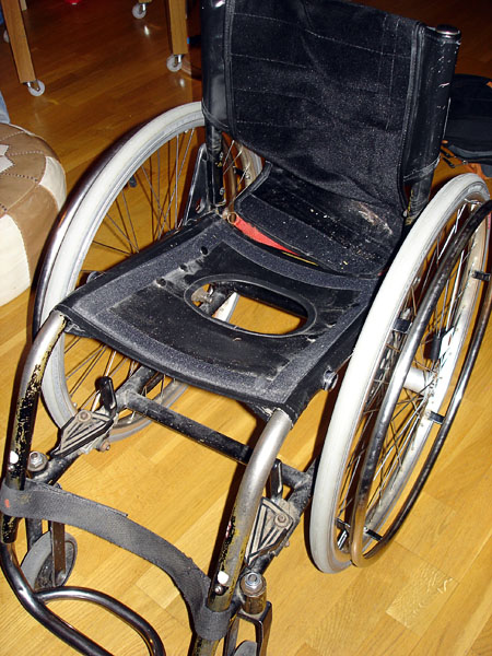Toilet seat – modification of ordinary wheelchair