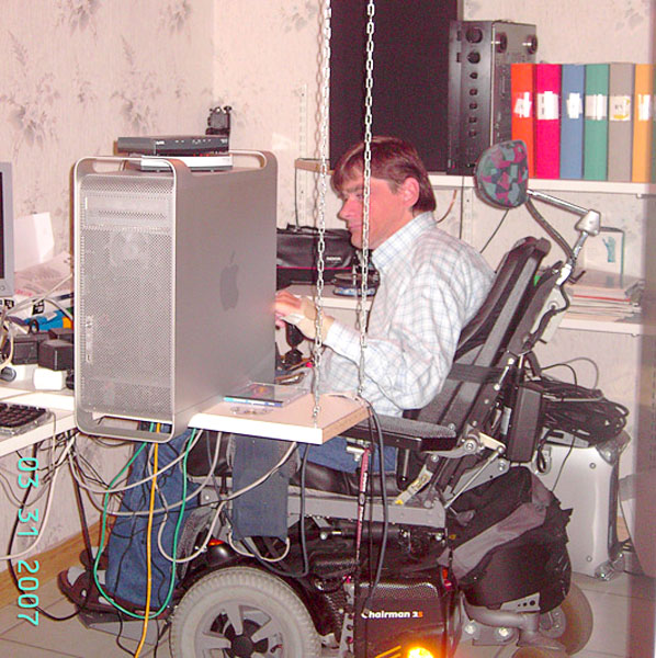 Placement of computer in adapted workplace