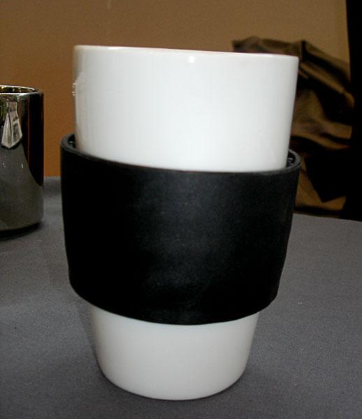 Porslinsmugg med värmeisolering