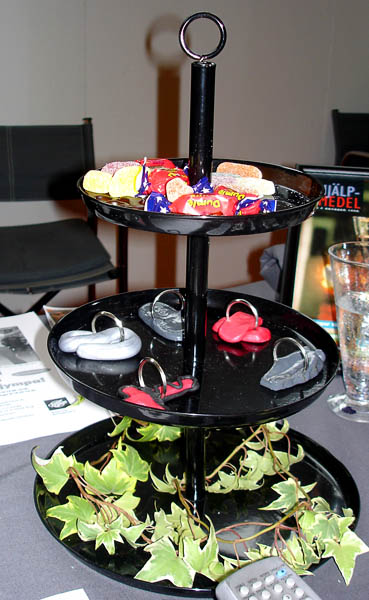 Three-tier serving platter