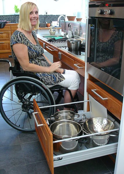 Easy-slide drawers in accessible kitchen