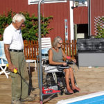 Pool lift for outdoor pool