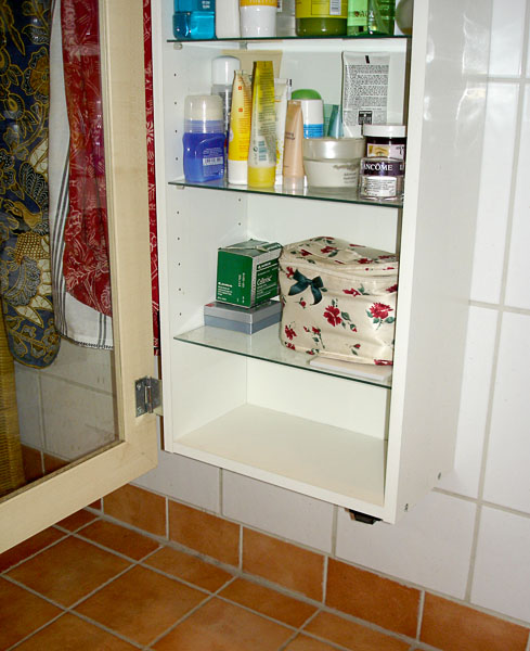 Bathroom cabinet in adapted bathroom