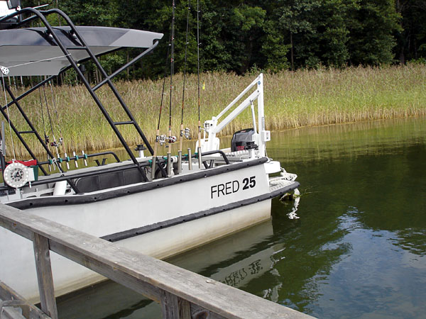 Fred 25 at dock