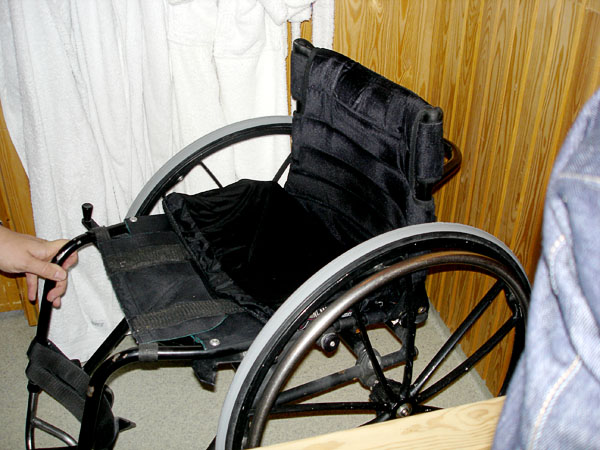 """Sauna Wheelchair"" with pressure-relieving cushion"
