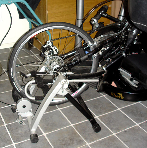 Front wheel of arm cycle on exercise stand