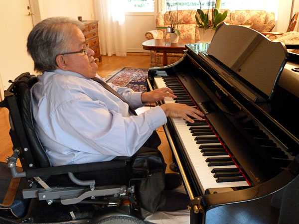 Piano assistive device