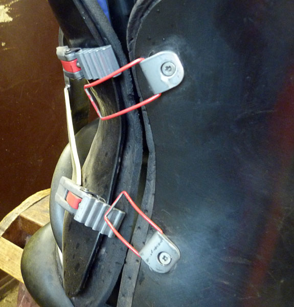 Attachment straps (close-up)