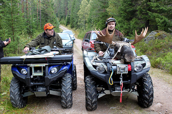 Hunting with a quad bike. Photo from www.rullarnas.se