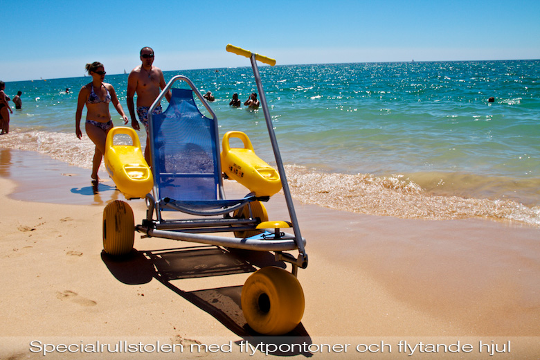 Beach wheelchair with floating pontoons, Alvar beach, Portugal. Photo from takeventure.se