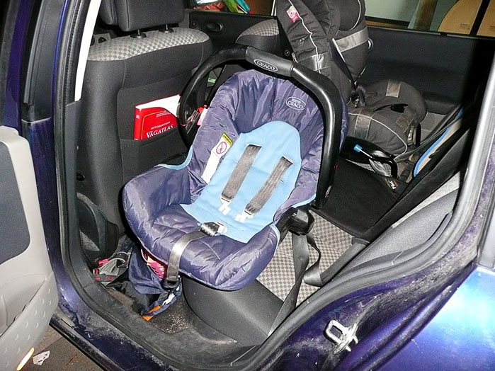 Simplified lift for infant car seat