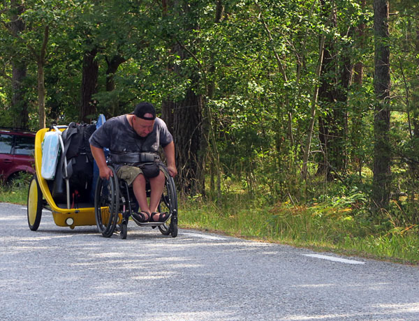 User on an outing with a bicycle trailer. Photo: from the user's archives