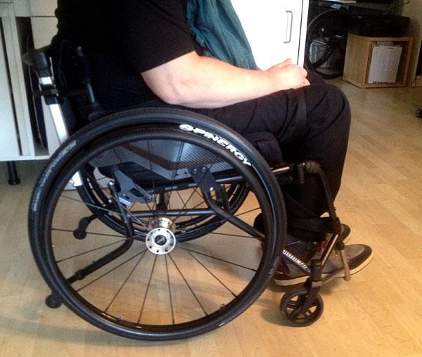 Specialanpassad manuell rullstol