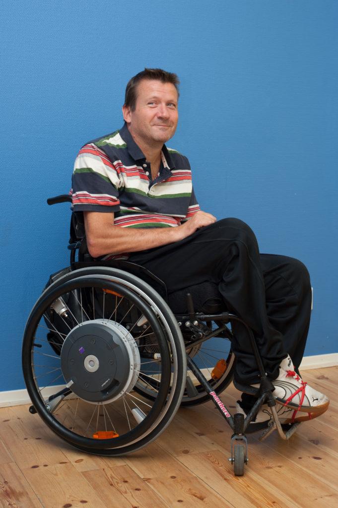 Lägesändring i rullstol: fot på vadband